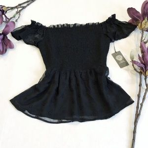 NWT Vince Camuto Off Shoulder Ruffle Peplum Blouse